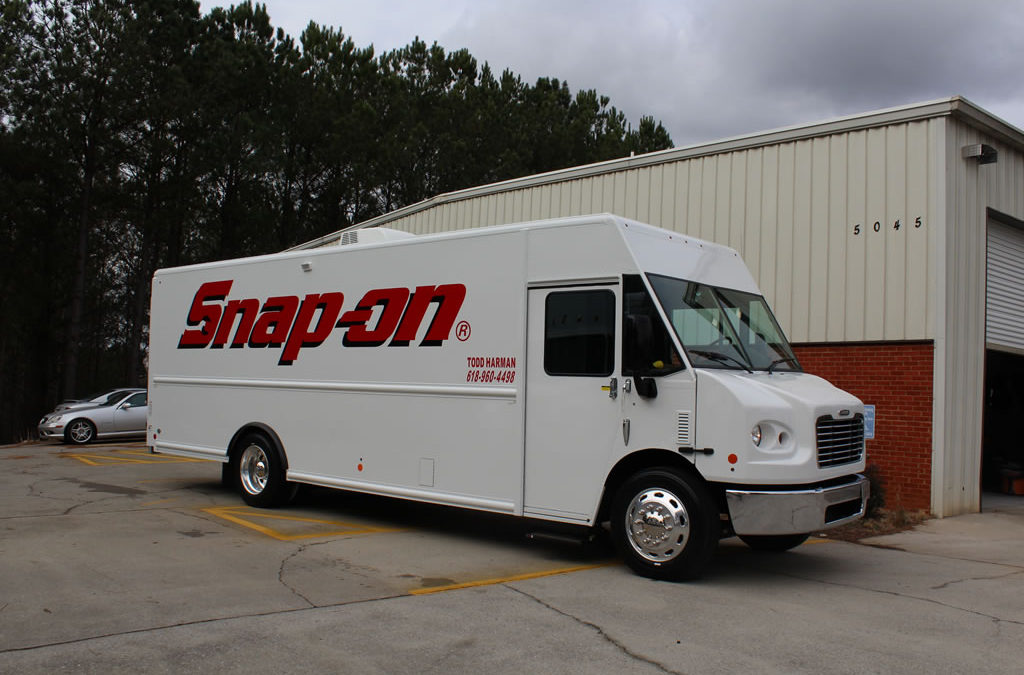 22′ Freightliner MT55 – Snap-on, Harmon