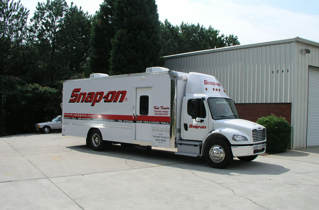 24′ Freightliner M2 – Snap-on