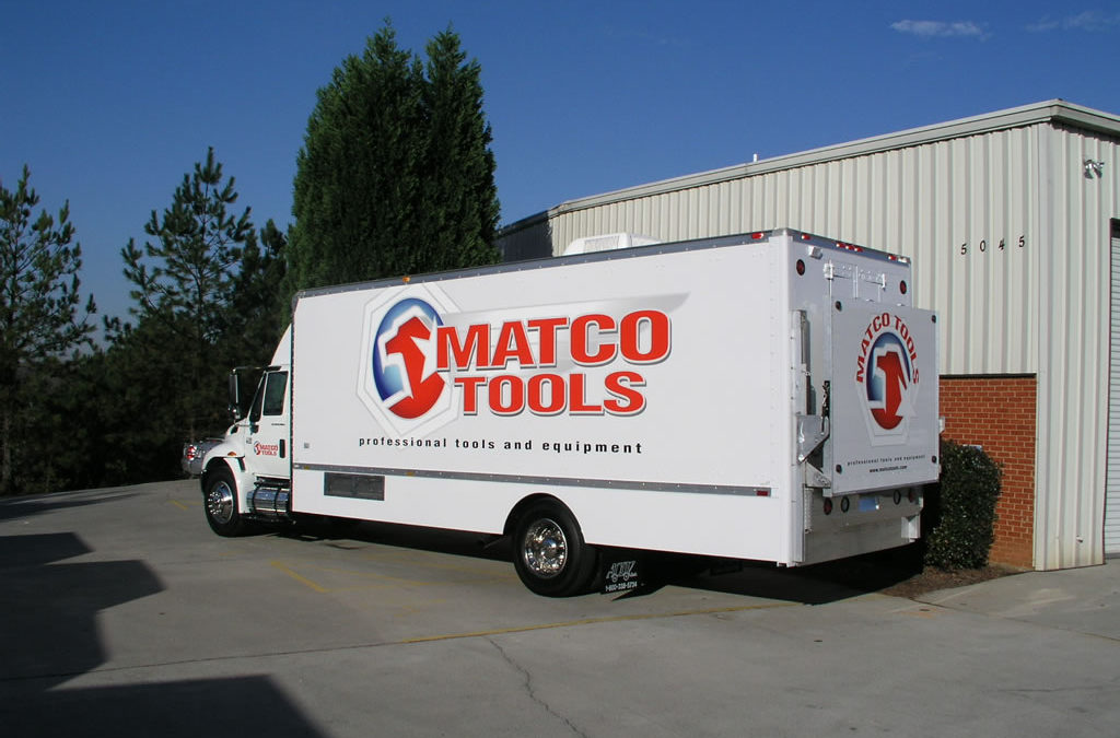 24′ International 4300 – Matco Tools, Camp