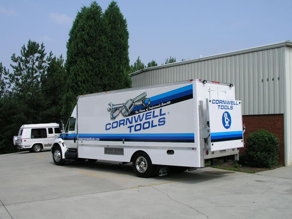22 International 4300 Cornwell Tools American Custom